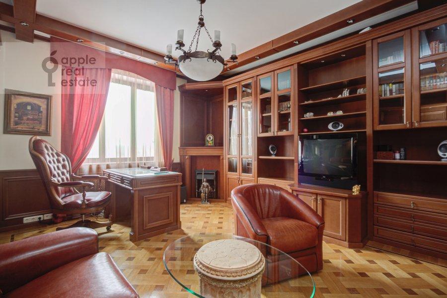 Детская комната / Кабинет в 4-комнатной квартире по адресу Грохольский переулок 28