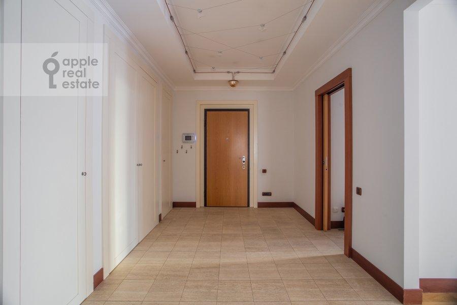 Corridor of the 5-room apartment at Plotnikov pereulok 21S1