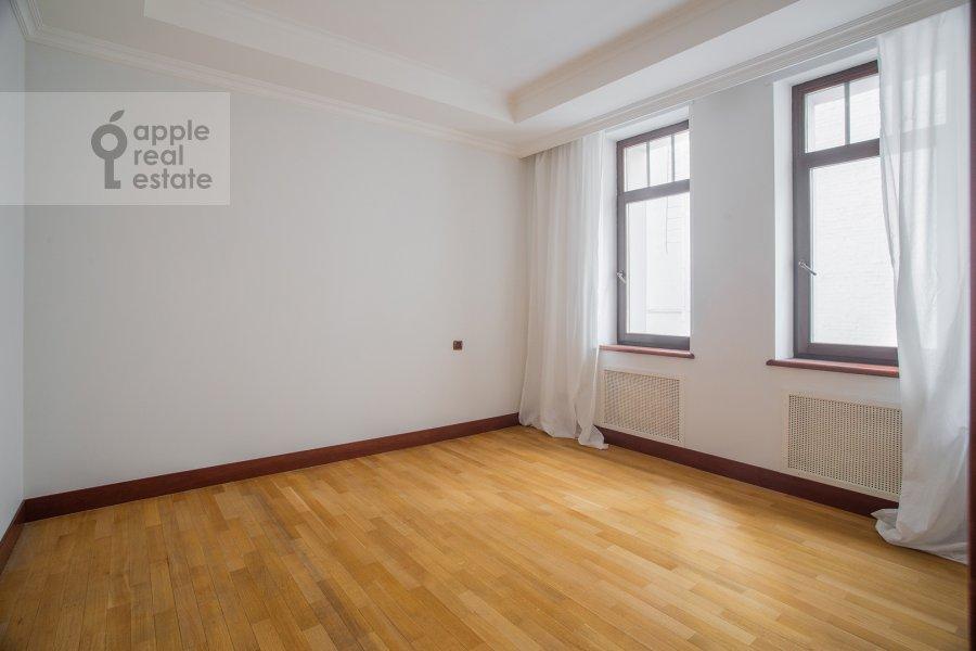 Bedroom of the 5-room apartment at Plotnikov pereulok 21S1
