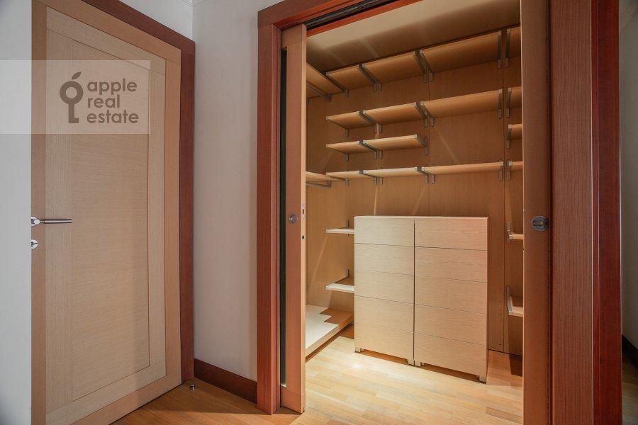 Walk-in closet / Laundry room / Storage room of the 5-room apartment at Plotnikov pereulok 21S1