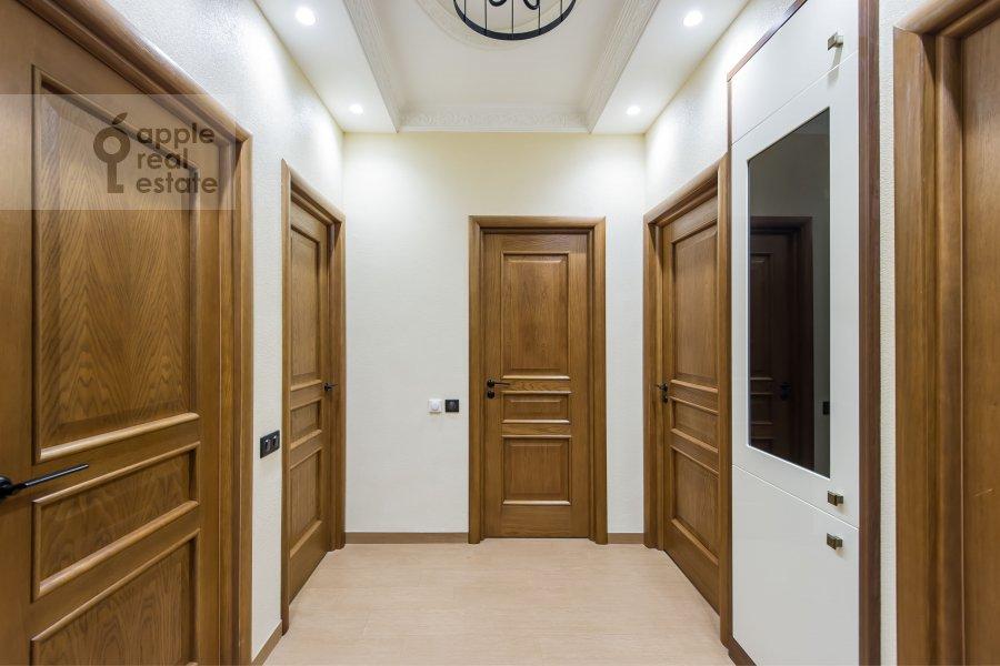 Коридор в 3-комнатной квартире по адресу Чистопрудный бульвар 9с1