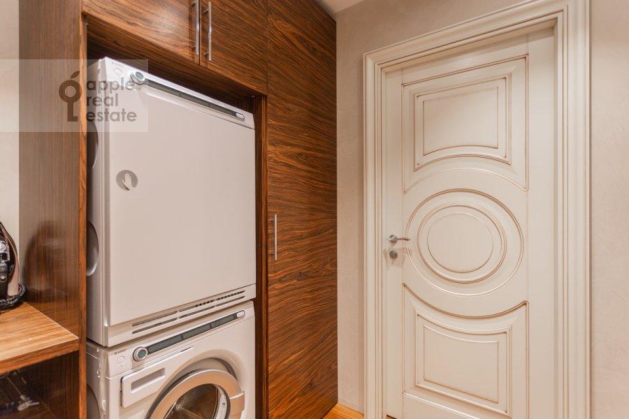 Гардеробная комната / Постирочная комната / Кладовая комната в 2-комнатной квартире по адресу Покровский бульвар 4/17с10