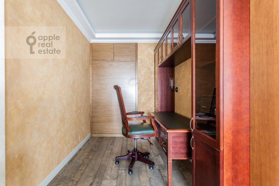 Детская комната / Кабинет в 2-комнатной квартире по адресу Покровский бульвар 4/17с10