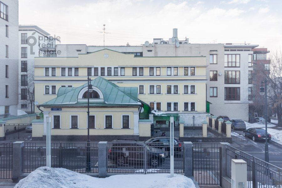 Вид из окна в 5-комнатной квартире по адресу Хилков переулок 5
