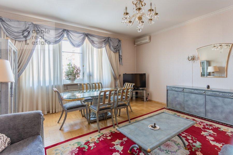 Гостиная в 3-комнатной квартире по адресу Новоспасский переулок 3к1