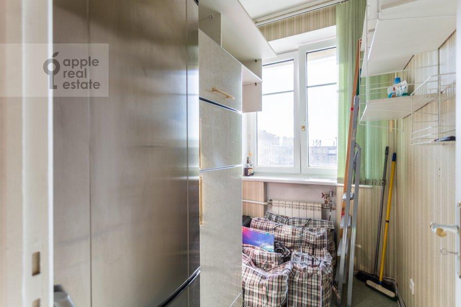 Гардеробная комната / Постирочная комната / Кладовая комната в 3-комнатной квартире по адресу Новоспасский переулок 3к1