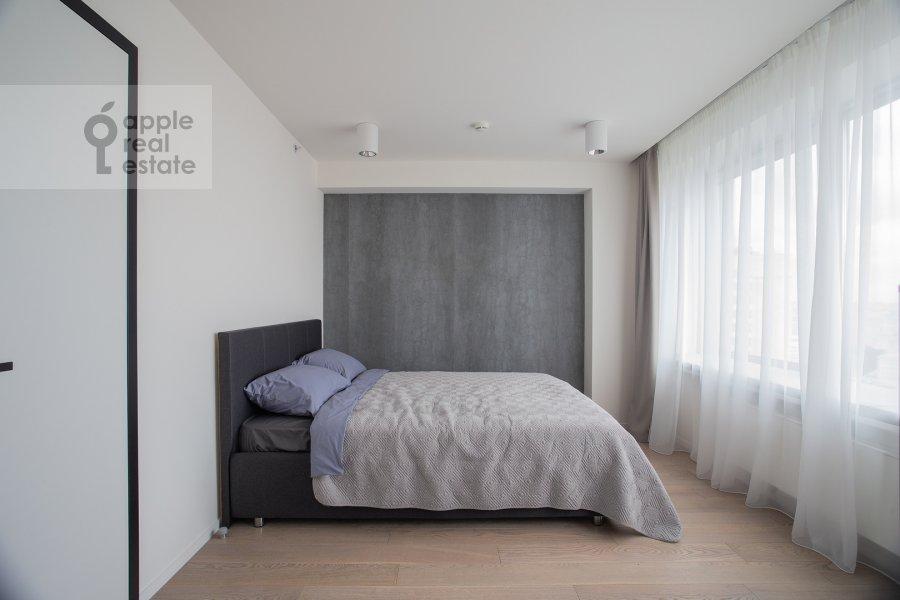Bedroom of the 3-room apartment at Novyy Arbat 15