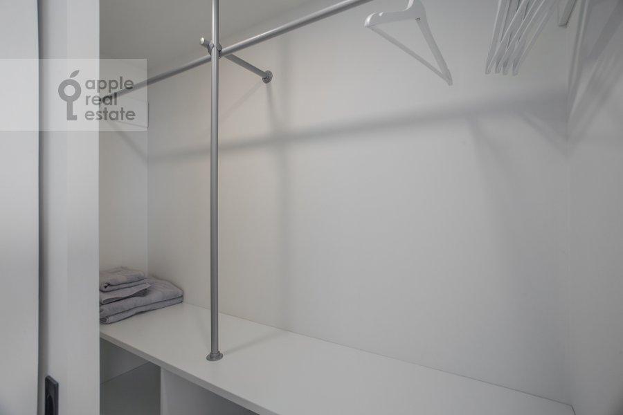 Walk-in closet / Laundry room / Storage room of the 3-room apartment at Novyy Arbat 15