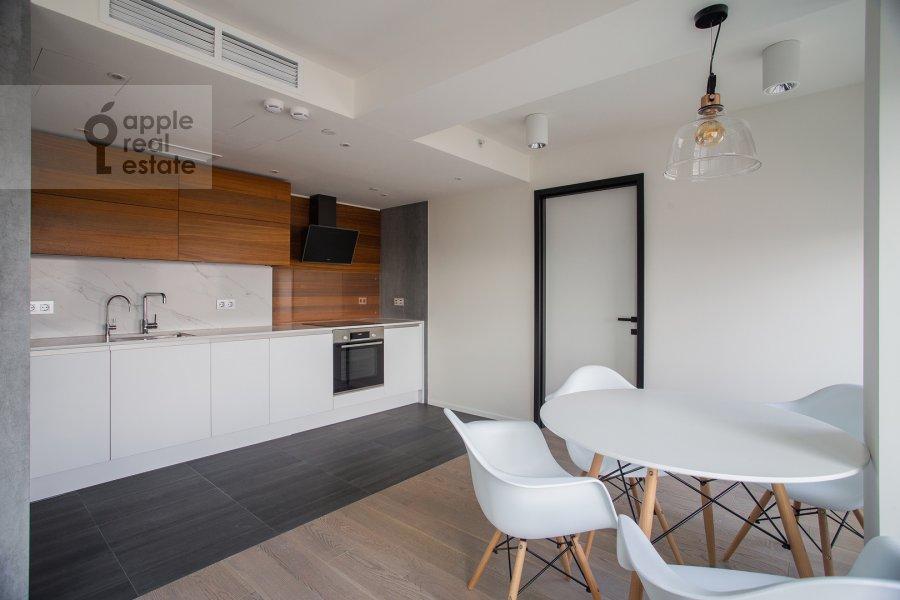 Kitchen of the 3-room apartment at Novyy Arbat 15