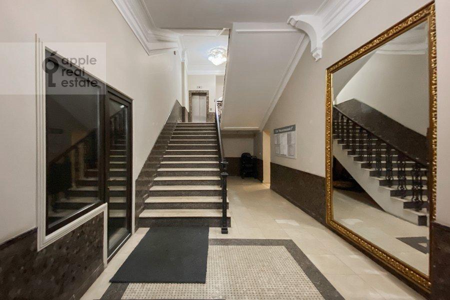 Photo of the house of the 3-room apartment at Milyutinskiy pereulok 3