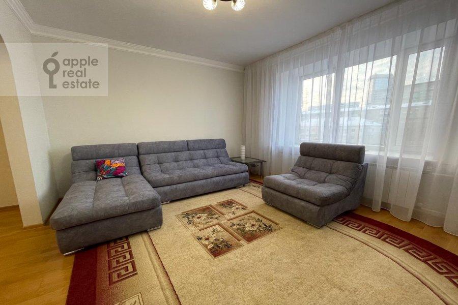 Living room of the 3-room apartment at Skakovaya ul 5