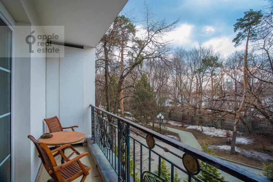 Балкон / Терраса / Лоджия в 4-комнатной квартире по адресу Береговая улица 8К3