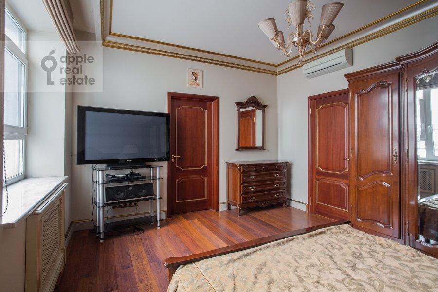 Спальня в 4-комнатной квартире по адресу Островной проезд 5К1