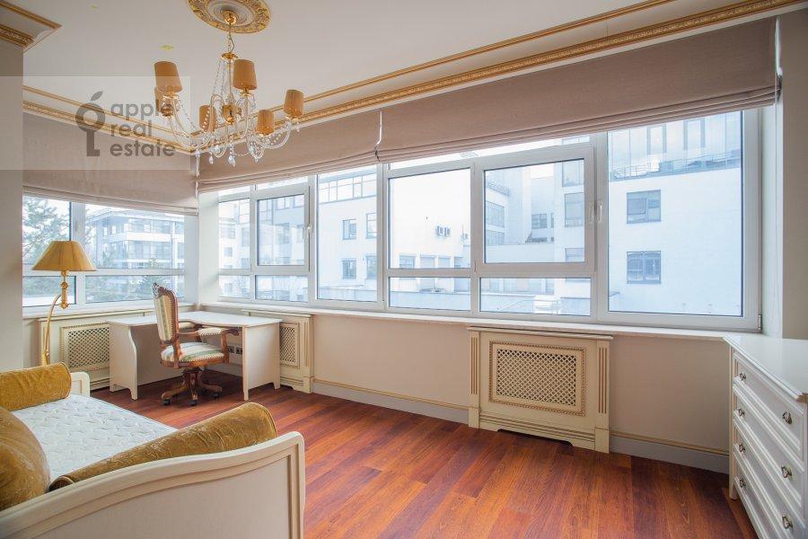 Детская комната / Кабинет в 4-комнатной квартире по адресу Островной проезд 5К1
