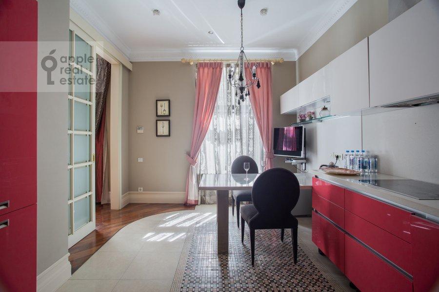 Кухня в 4-комнатной квартире по адресу Поварская улица 28с2
