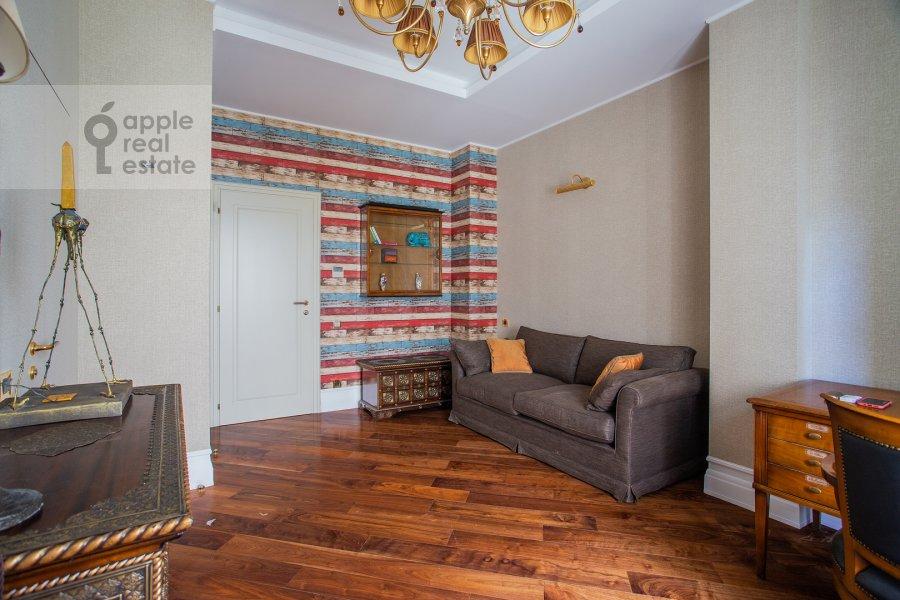 Детская комната / Кабинет в 4-комнатной квартире по адресу Поварская улица 28с2