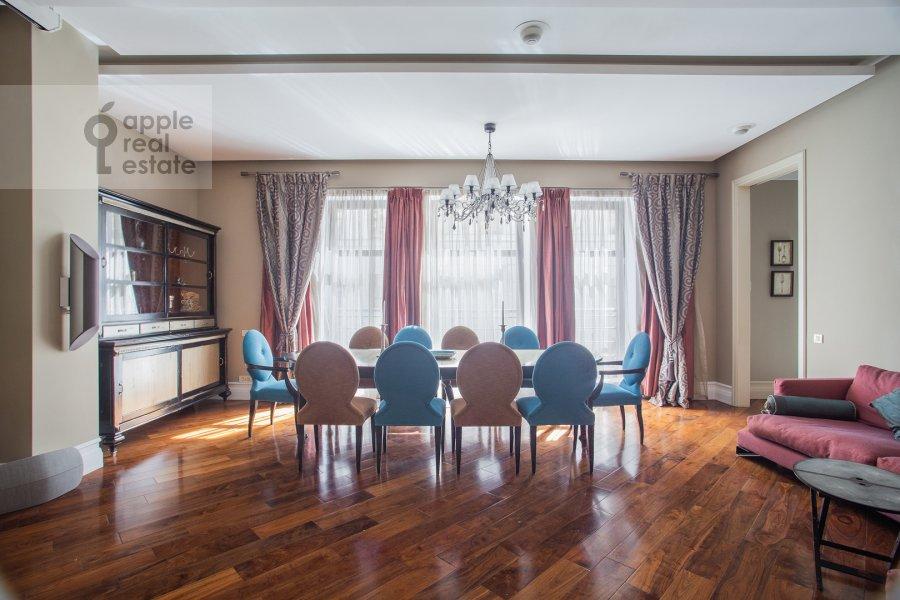 Гостиная в 4-комнатной квартире по адресу Поварская улица 28с2