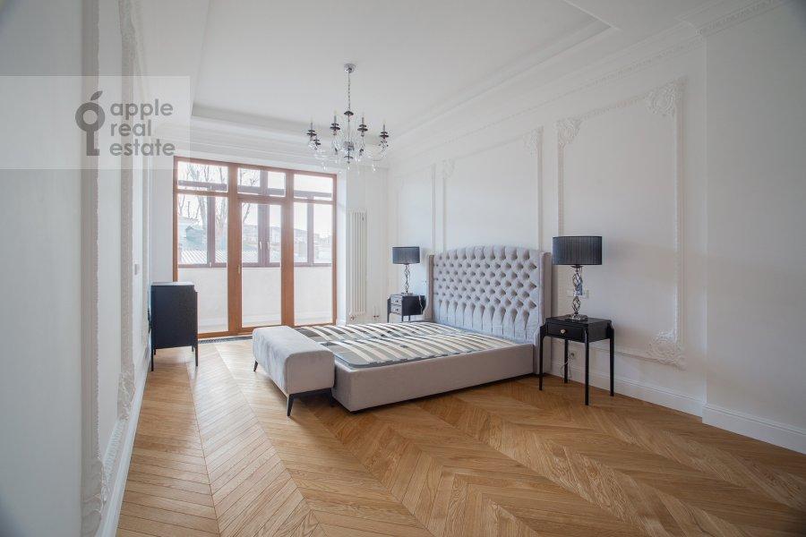 Спальня в 4-комнатной квартире по адресу Леонтьевский переулок 2Ас1