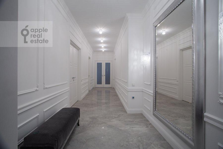 Corridor of the 4-room apartment at Leont'evskiy pereulok 2As1