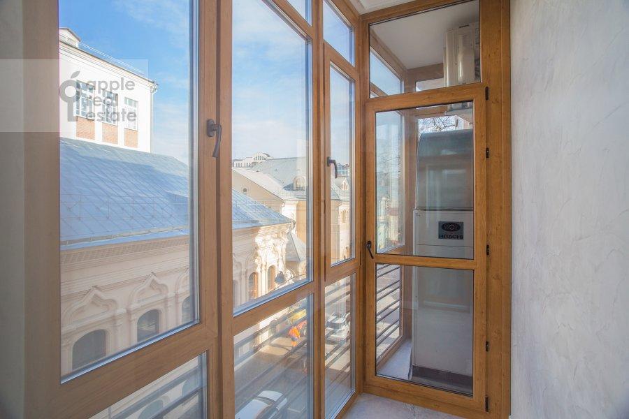 Balcony / Terrace / Loggia of the 4-room apartment at Leont'evskiy pereulok 2As1