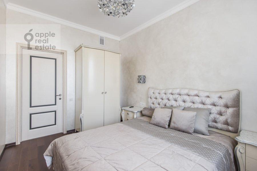 Bedroom of the 2-room apartment at ulitsa Gospital'nyy Val 5K18