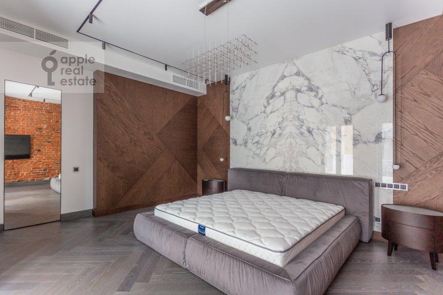 Bedroom of the 4-room apartment at Trubnikovskiy pereulok 11