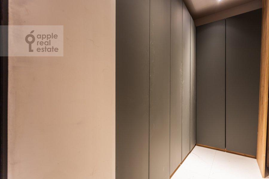 Walk-in closet / Laundry room / Storage room of the 4-room apartment at Trubnikovskiy pereulok 11