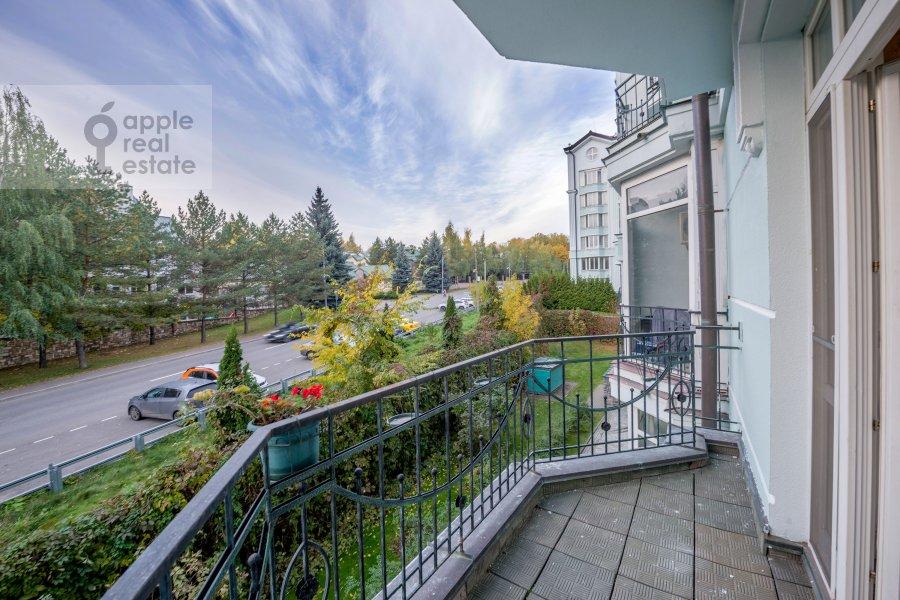 Балкон / Терраса / Лоджия в 3-комнатной квартире по адресу Береговая улица 4К1