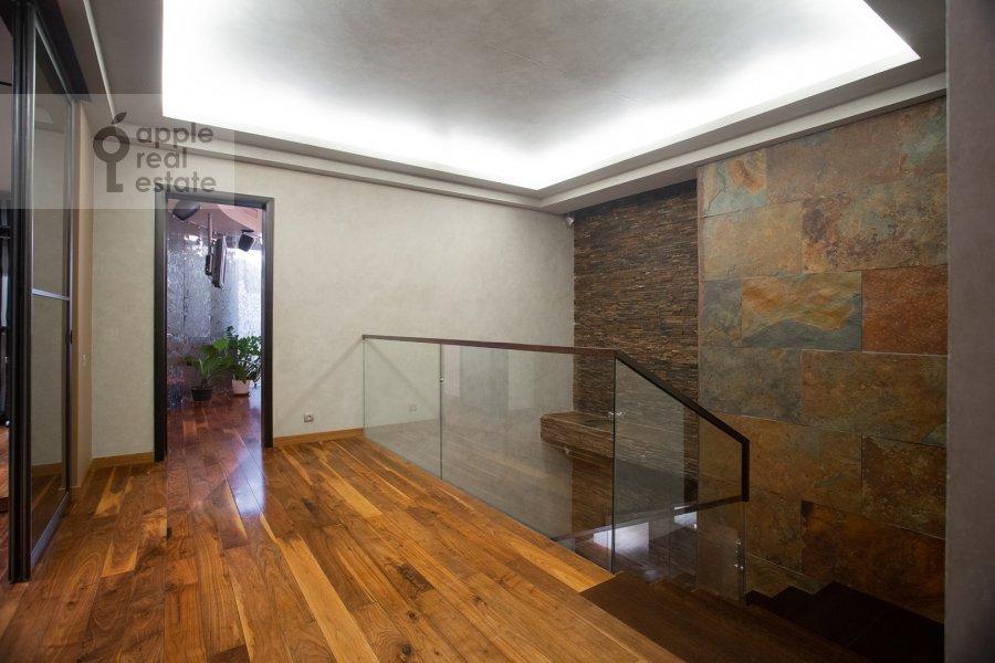 Corridor of the 6-room apartment at Leninskiy prospekt 106K1