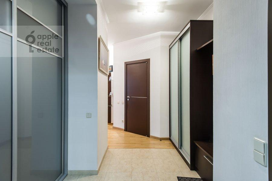 Corridor of the 3-room apartment at Mashkova ulitsa 1