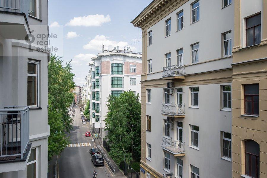 View from the window of the 3-room apartment at Mashkova ulitsa 1