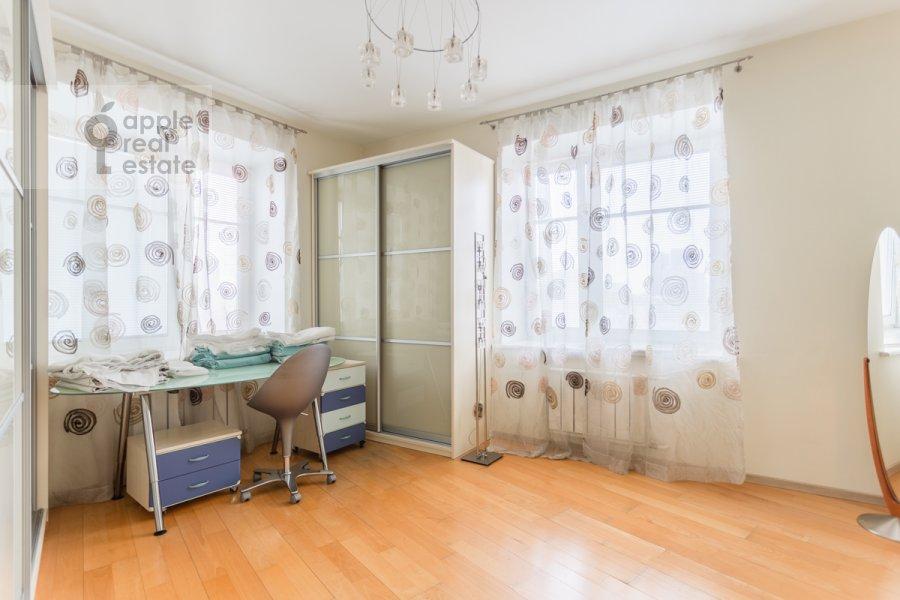 Детская комната / Кабинет в 4-комнатной квартире по адресу Зоологическая улица 30С2