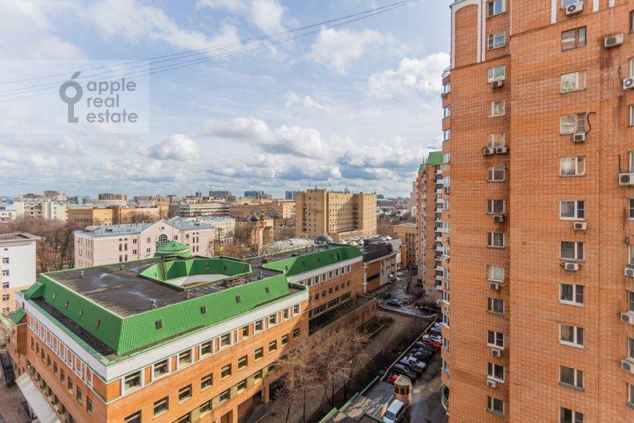 Вид из окна в 4-комнатной квартире по адресу Зоологическая улица 30С2