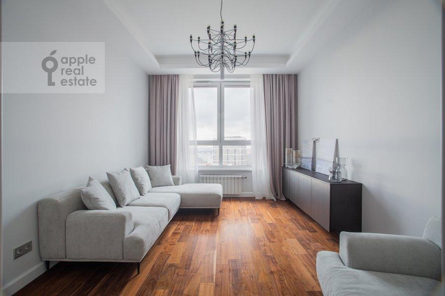 Living room of the 2-room apartment at Shelepikhinskaya naberezhnaya 34k3
