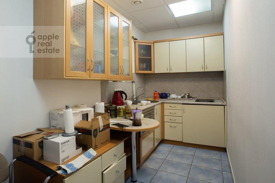 Kitchen of the studio apartment at Dolgorukovskaya ul 29