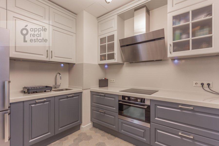 Кухня в 3-комнатной квартире по адресу проспект Мира 102с12