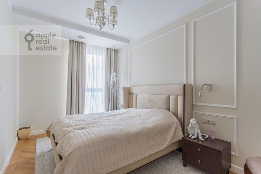 Bedroom of the 3-room apartment at prospekt Mira 102s12