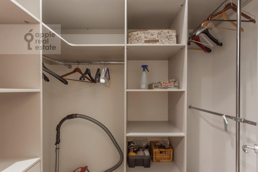 Walk-in closet / Laundry room / Storage room of the 3-room apartment at prospekt Mira 102s12