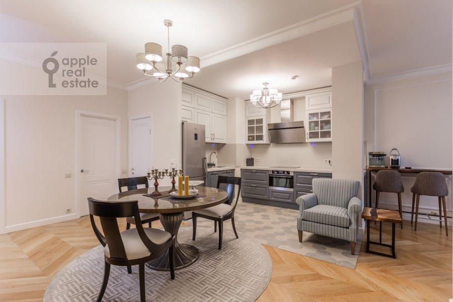 Гостиная в 3-комнатной квартире по адресу проспект Мира 102с12
