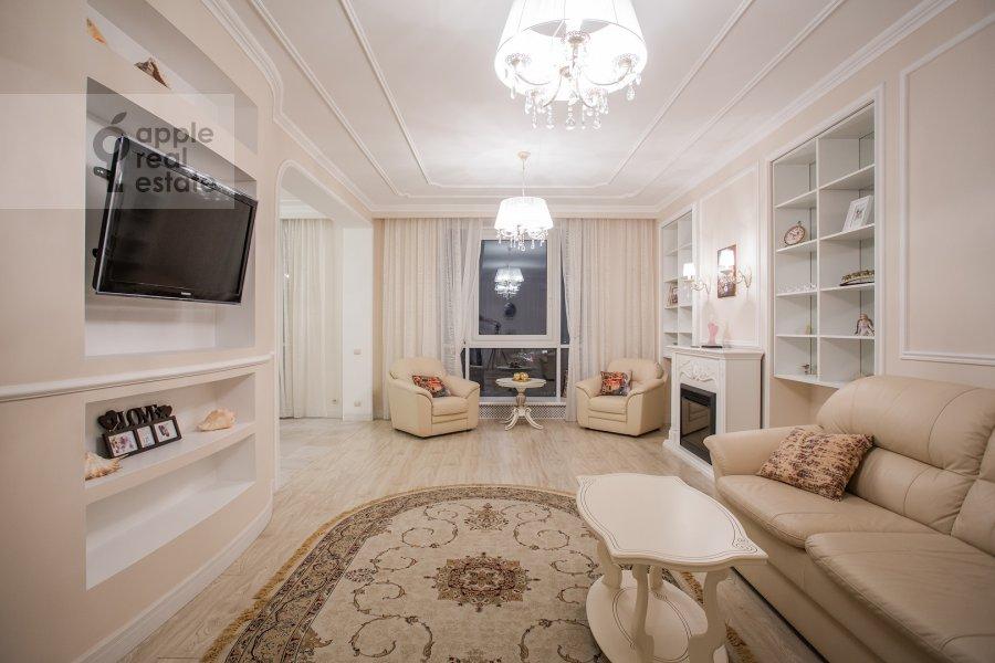 Гостиная в 3-комнатной квартире по адресу Расплетина 21