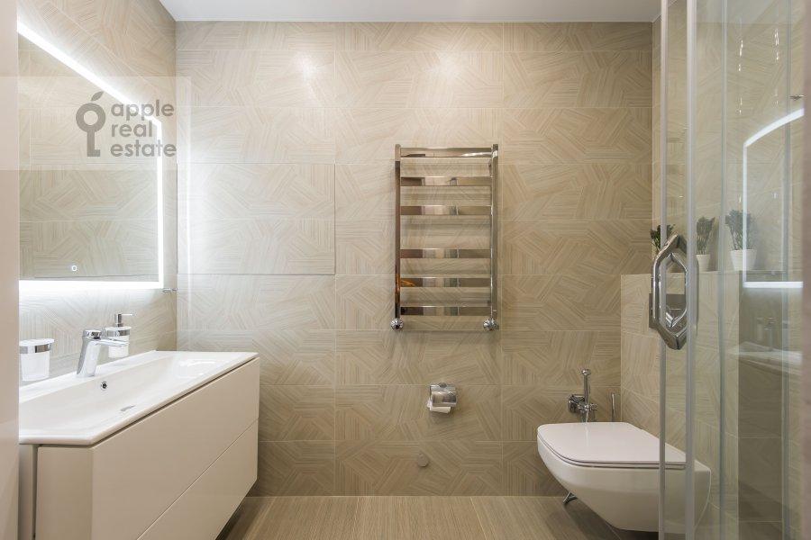 Bathroom of the 4-room apartment at Paveletskaya naberezhnaya 6A