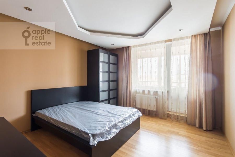Bedroom of the 3-room apartment at Udal'tsova 17k1