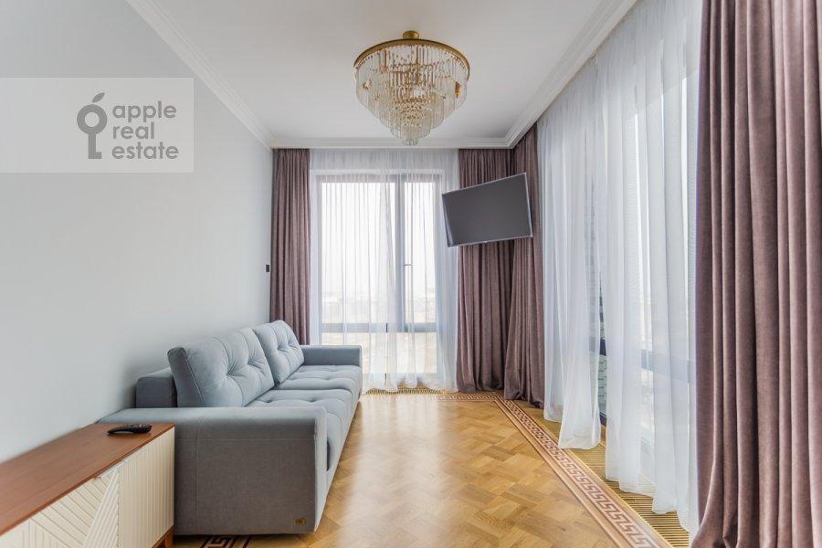 Living room of the 2-room apartment at Khodynskaya ulitsa 2