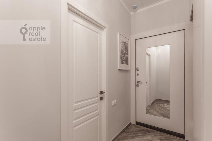 Corridor of the 2-room apartment at Khodynskaya ulitsa 2