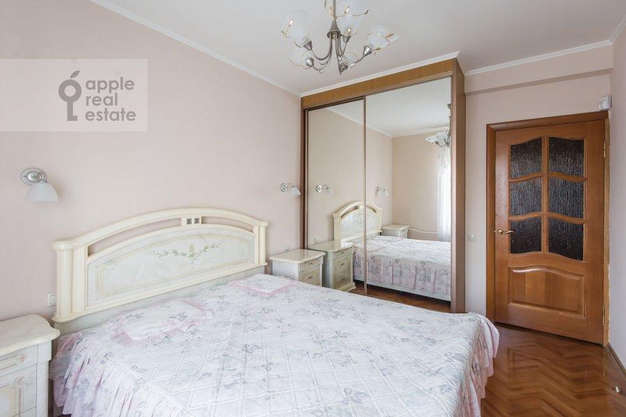 Bedroom of the 3-room apartment at Kazarmennyy pereulok 10S2