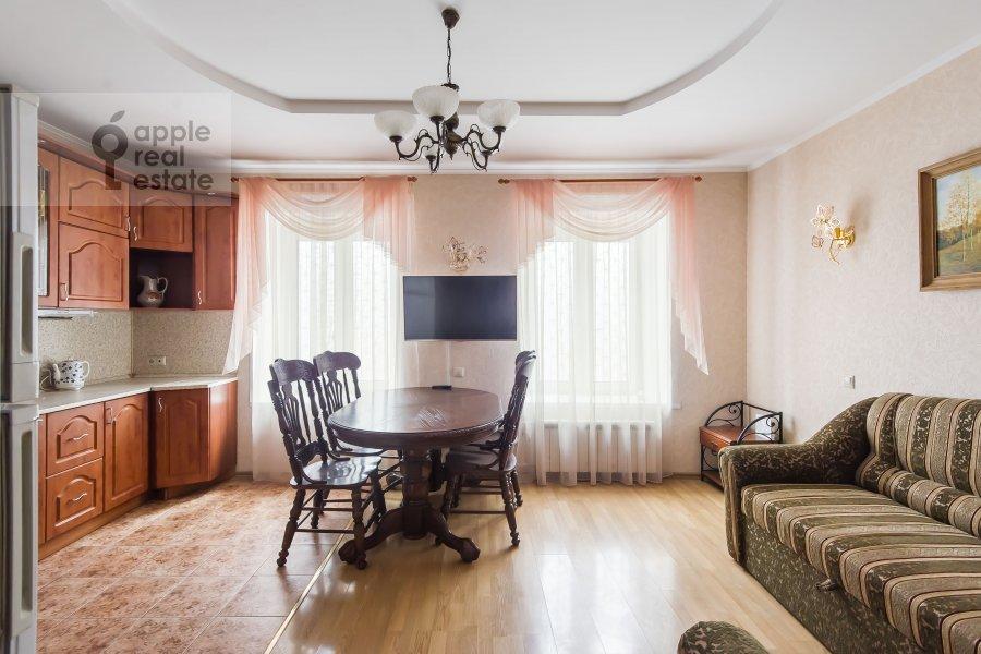 Living room of the 3-room apartment at Kazarmennyy pereulok 10S2