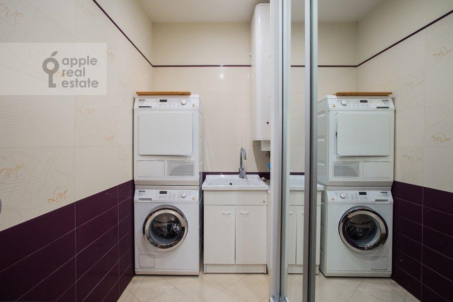 Гардеробная комната / Постирочная комната / Кладовая комната в 4-комнатной квартире по адресу Иваньковское шоссе 5