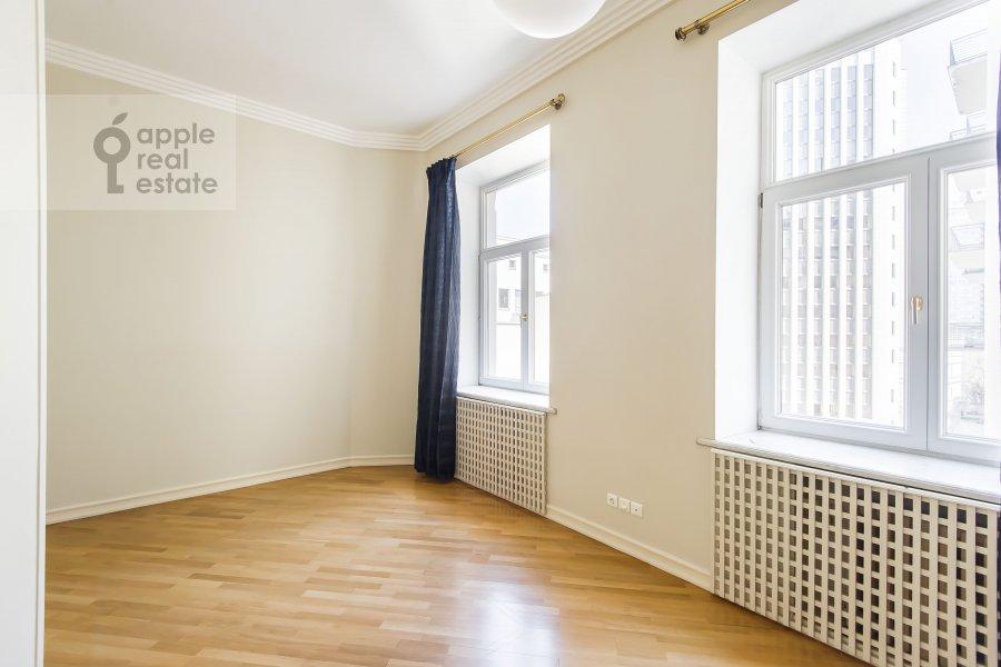 Спальня в 5-комнатной квартире по адресу Малая Молчановка 8с2