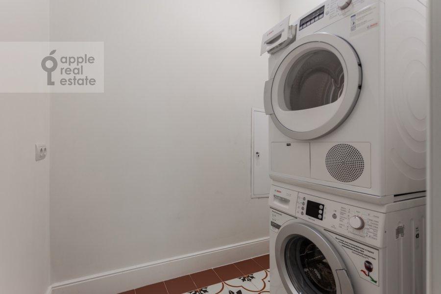 Walk-in closet / Laundry room / Storage room of the 4-room apartment at Shvedskiy tupik 3