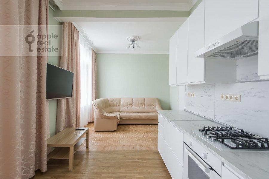 Living room of the 3-room apartment at Tverskaya 15